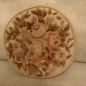 🌟Beautiful Floral Round Pillow